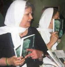گزارش و تصاویری از گردهمایی طیف های گوناگون فعالان زن در خانه «هاله سحابی»