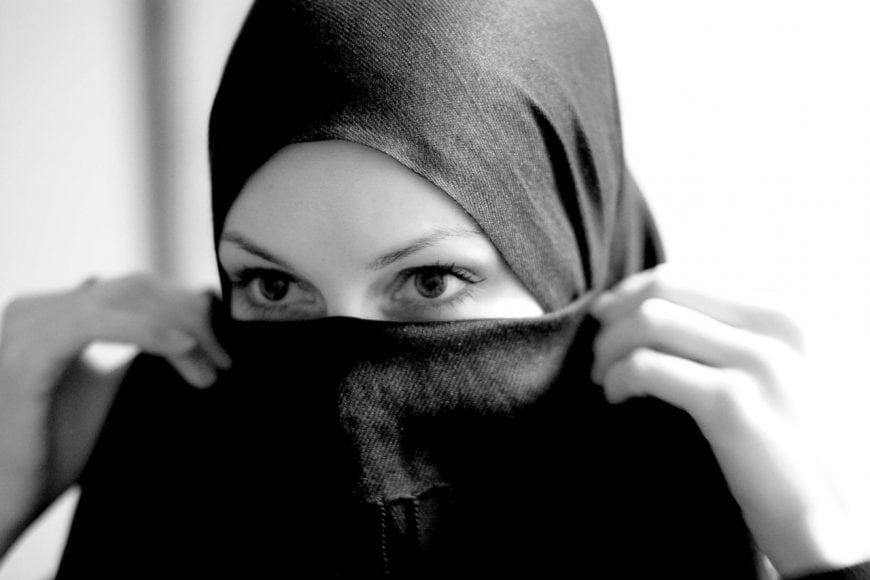 Hijab_Fetish_by_cainadamsson