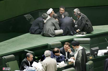 مقاومت مجلس در مقابل دستور رهبری
