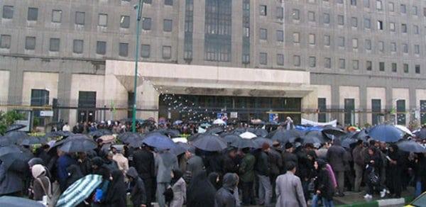 تجمع صدها کارگر مقابل مجلس در اعتراض به پیشنویس قانون کار