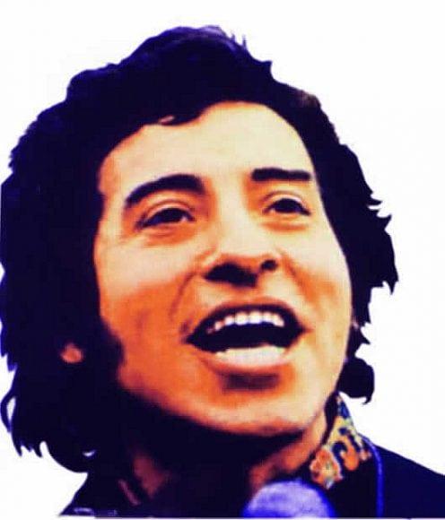 مقایسهی زندگی و هنر آریا آرامنژاد و ویکتور خارا، آوازخوان انقلابی شیلی