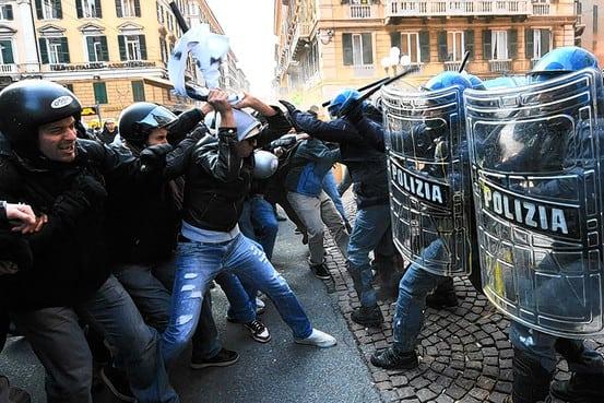 در قمارخانه «بورس جهانی» اروپا «دمکراسی» را می بازد