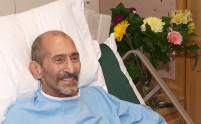 عیادت از محمد فرهنگدوست؛ قهرمان ملی کشتی ایران در کانادا