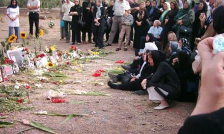 پیام جمعی از مادران خاوران به دادگاه رسیدگی به اعدام فرزندان مان