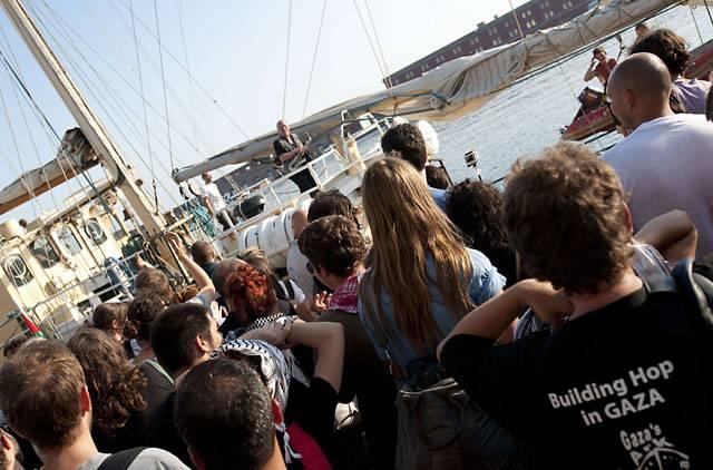 کشتی استلا با سرنشینانی از پارلمانهای جهان بسوی غزه میرود