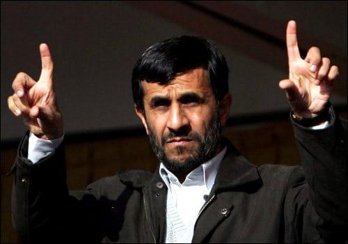 عباس عبدی: احمدی نژاد مفت و مجانی نمی رود