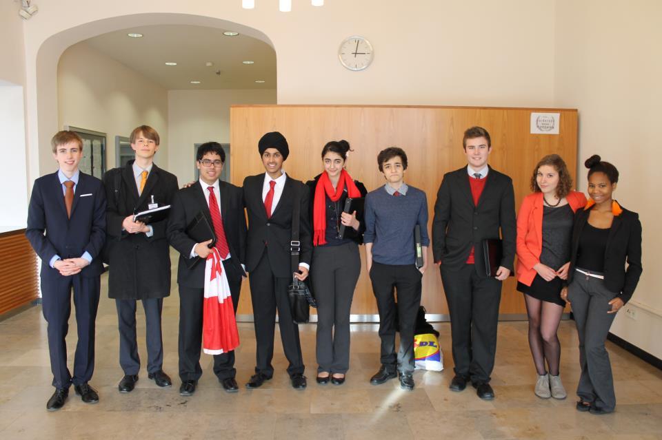 تیم مناظرهی مدارس ونکوور کانادا برندهی مقام نخست جهان شد