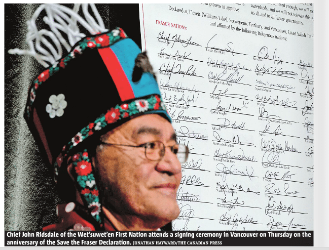 شهردار ونکوور در کنار ۱۳۶ گروه بومیان بیسی بر علیه خط لوله نفت