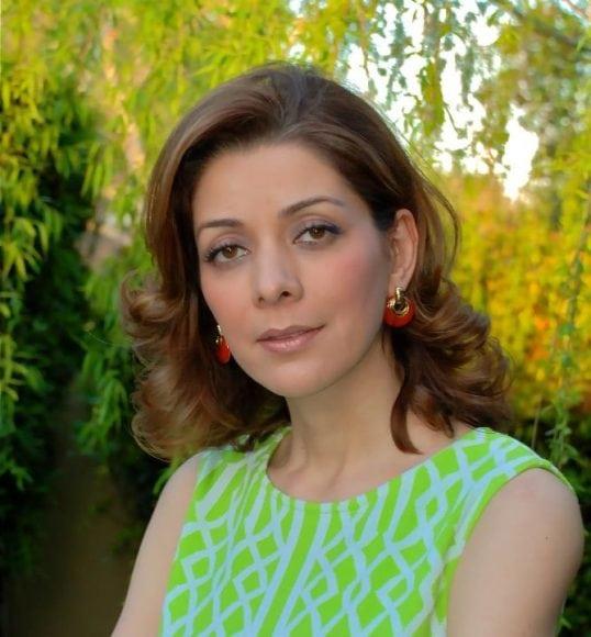 ماندانا زندیان: زبان فارسی وطن من است