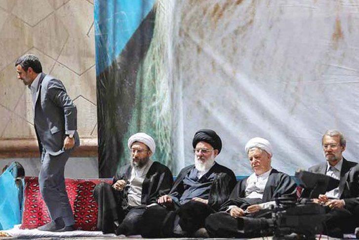 با شکايت لاريجانی، احمدی نژاد به دادگاه احضار شد