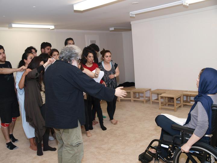 Barkhani-Bizai-102 گزارشی تصویری از تمرینات و آمادهسازی برخوانی نمایش آرش در ونکوور 