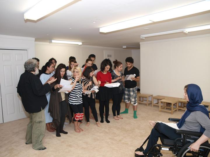 Barkhani-Bizai-106 گزارشی تصویری از تمرینات و آمادهسازی برخوانی نمایش آرش در ونکوور 