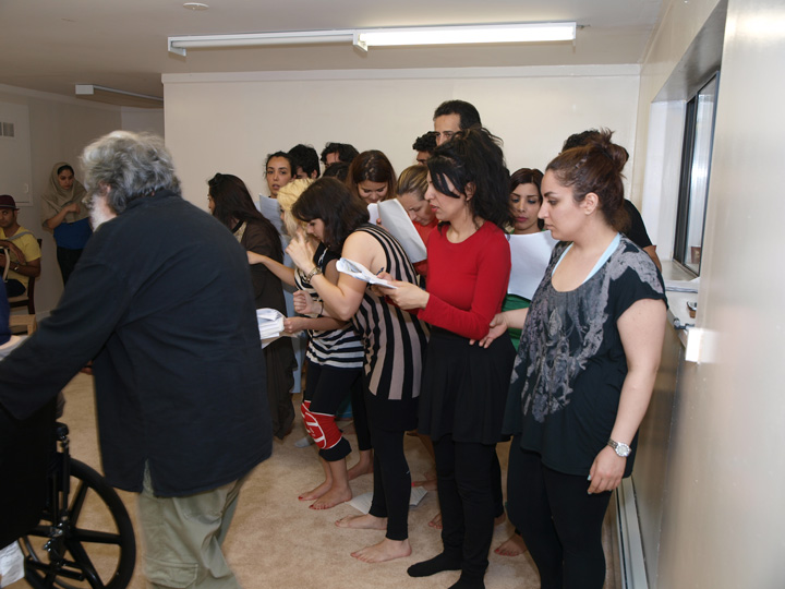 Barkhani-Bizai-112 گزارشی تصویری از تمرینات و آمادهسازی برخوانی نمایش آرش در ونکوور 