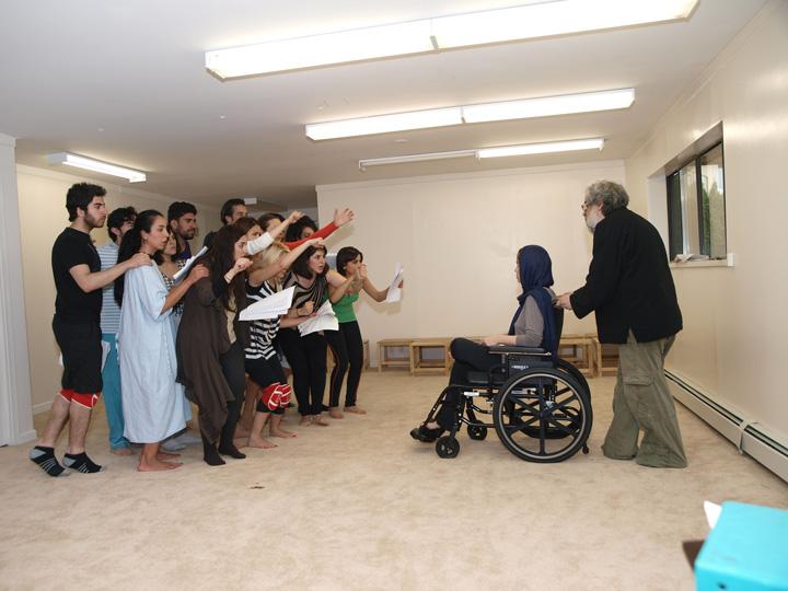 Barkhani-Bizai-116 گزارشی تصویری از تمرینات و آمادهسازی برخوانی نمایش آرش در ونکوور 