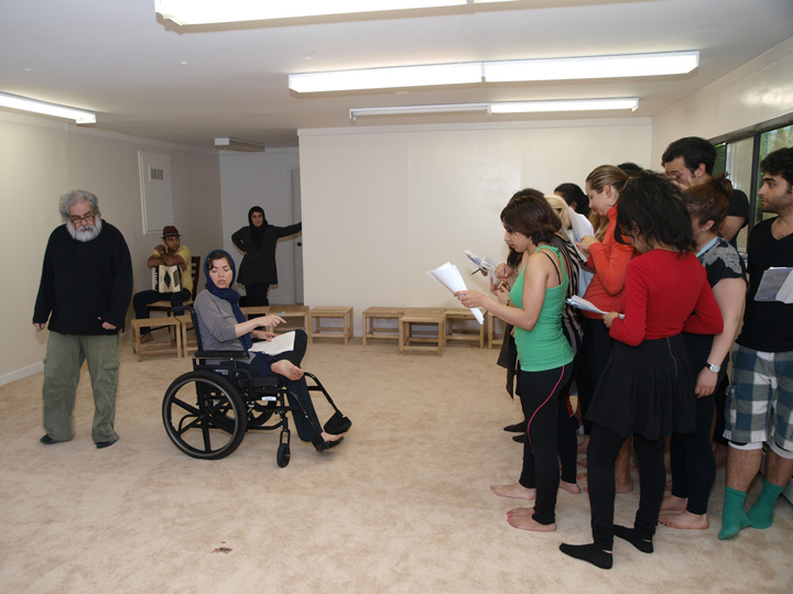 Barkhani-Bizai-120 گزارشی تصویری از تمرینات و آمادهسازی برخوانی نمایش آرش در ونکوور 