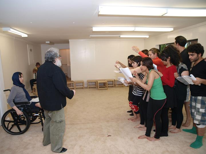 Barkhani-Bizai-126 گزارشی تصویری از تمرینات و آمادهسازی برخوانی نمایش آرش در ونکوور 