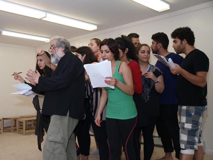Barkhani-Bizai-129 گزارشی تصویری از تمرینات و آمادهسازی برخوانی نمایش آرش در ونکوور 