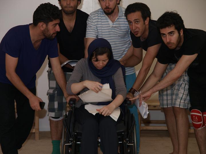 Barkhani-Bizai-136 گزارشی تصویری از تمرینات و آمادهسازی برخوانی نمایش آرش در ونکوور 