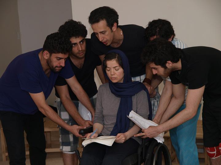 Barkhani-Bizai-142 گزارشی تصویری از تمرینات و آمادهسازی برخوانی نمایش آرش در ونکوور 