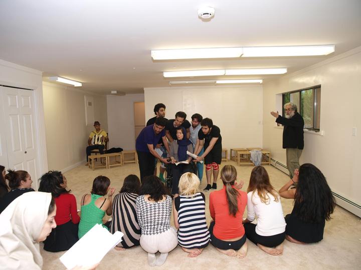 Barkhani-Bizai-145 گزارشی تصویری از تمرینات و آمادهسازی برخوانی نمایش آرش در ونکوور 