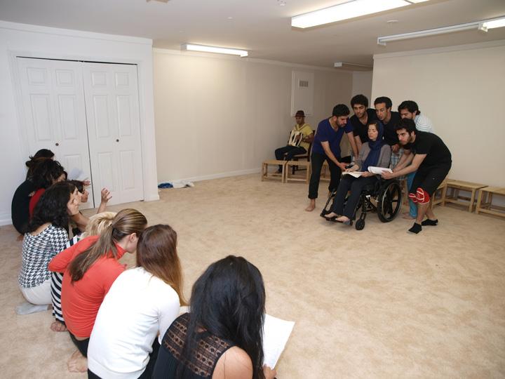 Barkhani-Bizai-147 گزارشی تصویری از تمرینات و آمادهسازی برخوانی نمایش آرش در ونکوور 