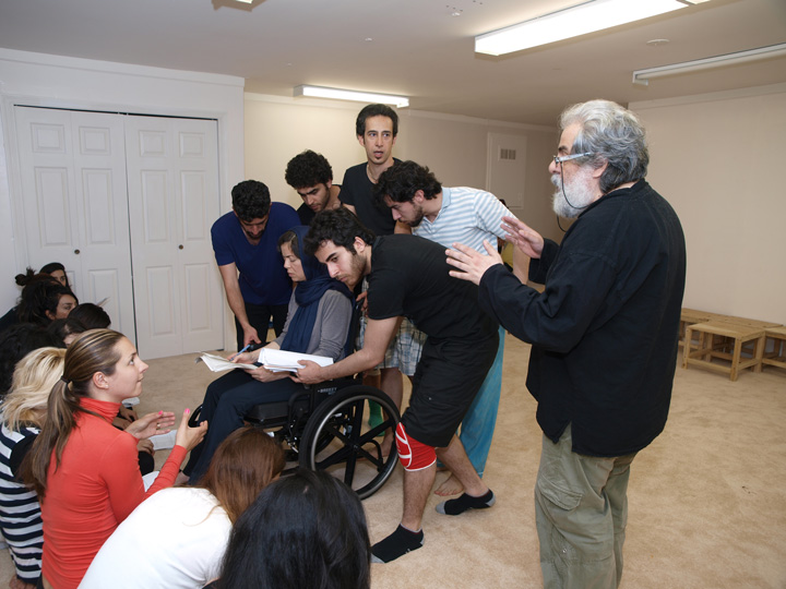 Barkhani-Bizai-152 گزارشی تصویری از تمرینات و آمادهسازی برخوانی نمایش آرش در ونکوور 