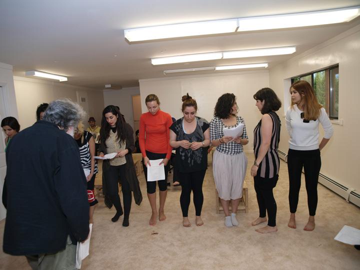Barkhani-Bizai-19 گزارشی تصویری از تمرینات و آمادهسازی برخوانی نمایش آرش در ونکوور 