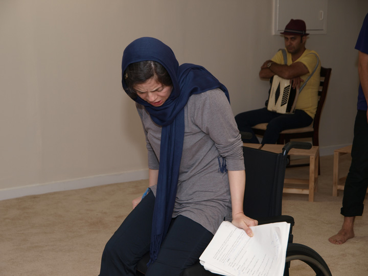 Barkhani-Bizai-2 گزارشی تصویری از تمرینات و آمادهسازی برخوانی نمایش آرش در ونکوور 