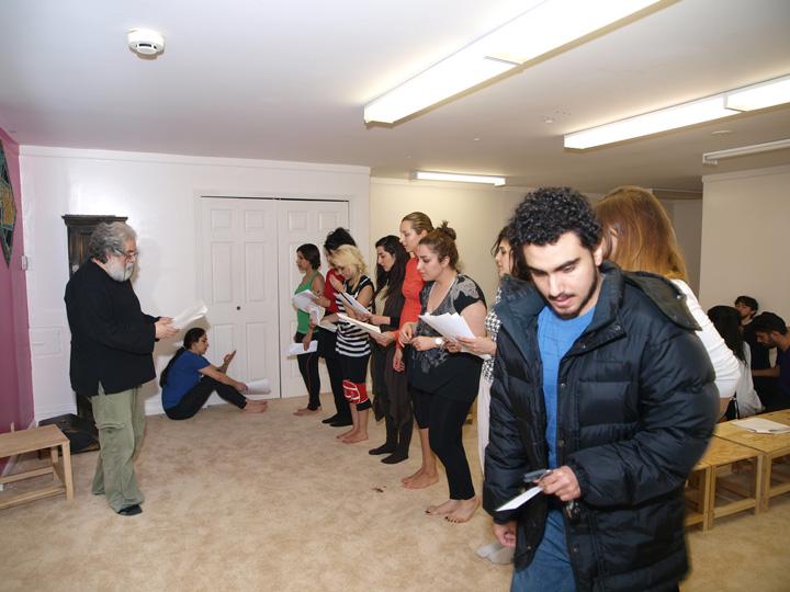 Barkhani-Bizai-20 گزارشی تصویری از تمرینات و آمادهسازی برخوانی نمایش آرش در ونکوور 