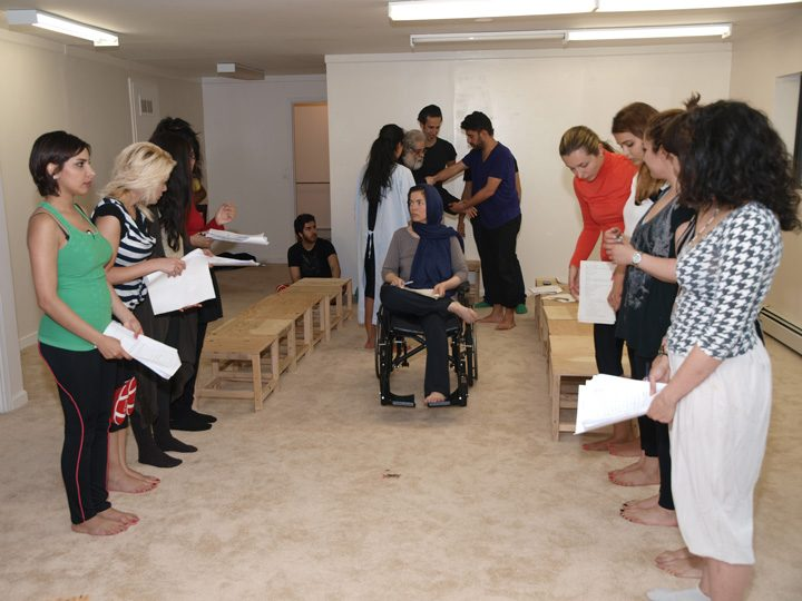 Barkhani-Bizai-25 گزارشی تصویری از تمرینات و آمادهسازی برخوانی نمایش آرش در ونکوور 