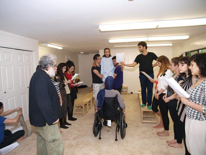 Barkhani-Bizai-33 گزارشی تصویری از تمرینات و آمادهسازی برخوانی نمایش آرش در ونکوور 
