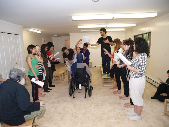 Barkhani-Bizai-34 گزارشی تصویری از تمرینات و آمادهسازی برخوانی نمایش آرش در ونکوور 