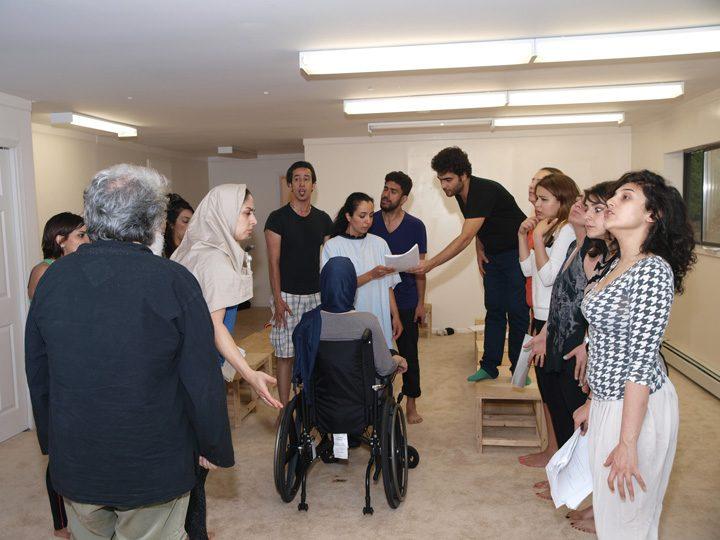 Barkhani-Bizai-36 گزارشی تصویری از تمرینات و آمادهسازی برخوانی نمایش آرش در ونکوور 