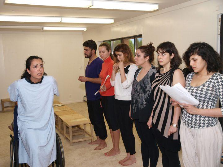Barkhani-Bizai-38 گزارشی تصویری از تمرینات و آمادهسازی برخوانی نمایش آرش در ونکوور 