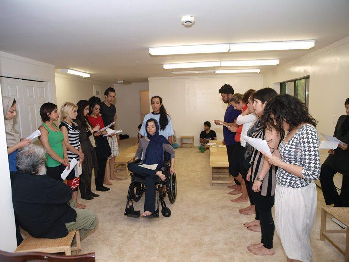 Barkhani-Bizai-42 گزارشی تصویری از تمرینات و آمادهسازی برخوانی نمایش آرش در ونکوور 