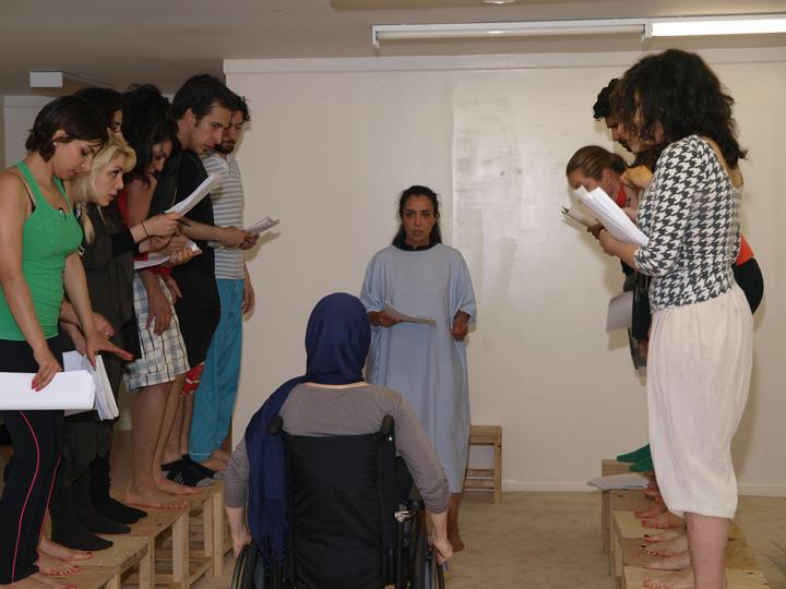 Barkhani-Bizai-44 گزارشی تصویری از تمرینات و آمادهسازی برخوانی نمایش آرش در ونکوور 