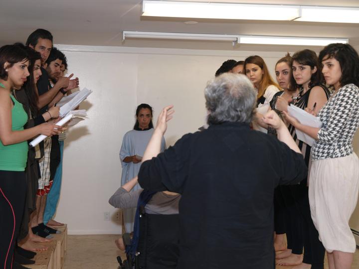 Barkhani-Bizai-45 گزارشی تصویری از تمرینات و آمادهسازی برخوانی نمایش آرش در ونکوور 