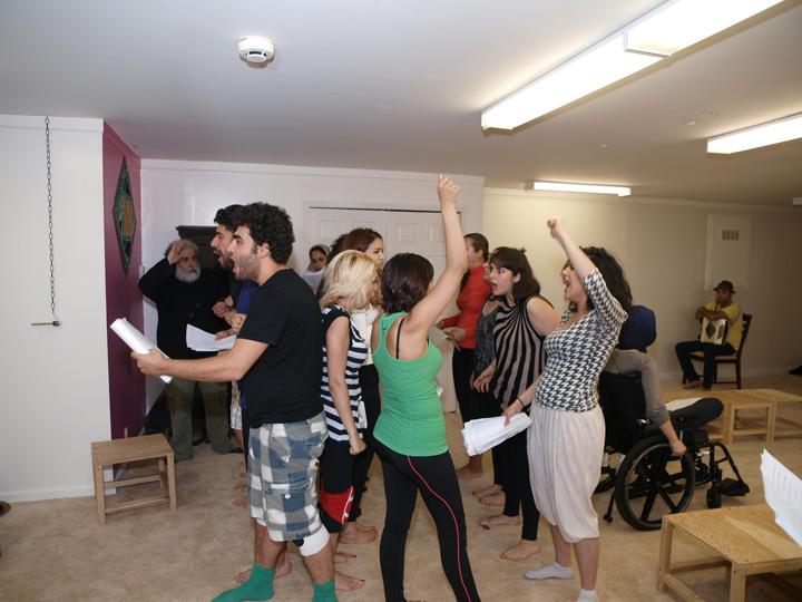 Barkhani-Bizai-57 گزارشی تصویری از تمرینات و آمادهسازی برخوانی نمایش آرش در ونکوور 