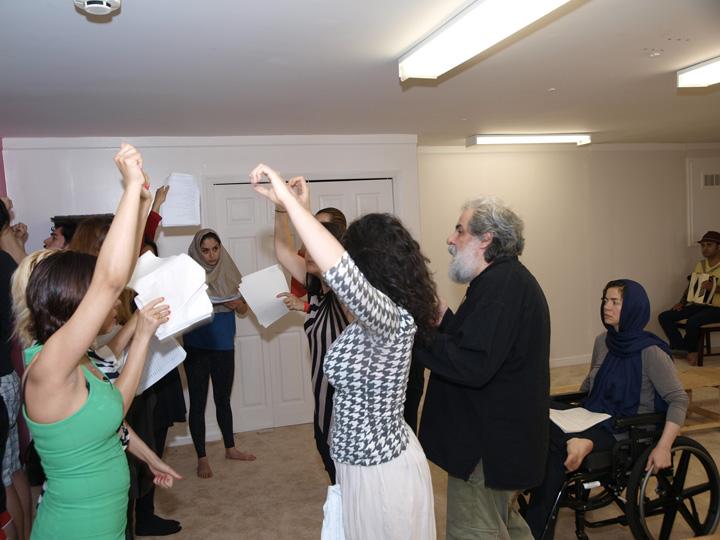 Barkhani-Bizai-61 گزارشی تصویری از تمرینات و آمادهسازی برخوانی نمایش آرش در ونکوور 