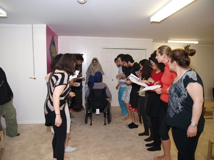 Barkhani-Bizai-63 گزارشی تصویری از تمرینات و آمادهسازی برخوانی نمایش آرش در ونکوور 