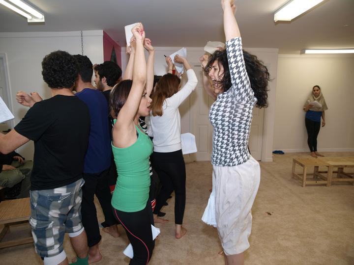 Barkhani-Bizai-68 گزارشی تصویری از تمرینات و آمادهسازی برخوانی نمایش آرش در ونکوور 