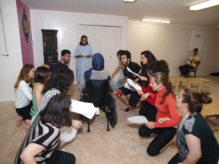 Barkhani-Bizai-72 گزارشی تصویری از تمرینات و آمادهسازی برخوانی نمایش آرش در ونکوور 