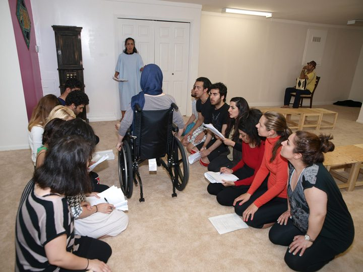 Barkhani-Bizai-75 گزارشی تصویری از تمرینات و آمادهسازی برخوانی نمایش آرش در ونکوور 