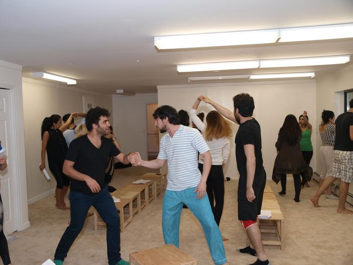Barkhani-Bizai-9 گزارشی تصویری از تمرینات و آمادهسازی برخوانی نمایش آرش در ونکوور 