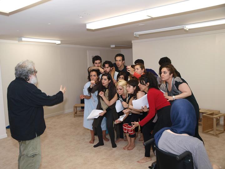 Barkhani-Bizai-90 گزارشی تصویری از تمرینات و آمادهسازی برخوانی نمایش آرش در ونکوور 