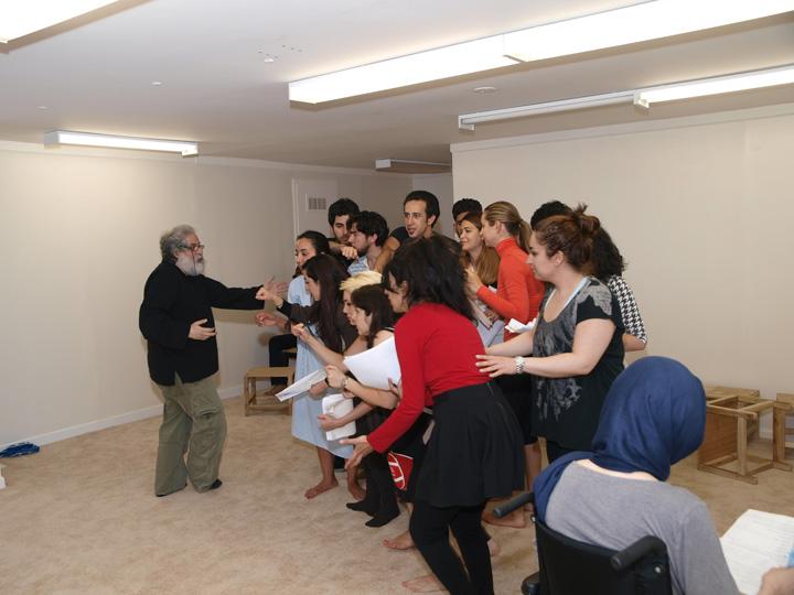 Barkhani-Bizai-91 گزارشی تصویری از تمرینات و آمادهسازی برخوانی نمایش آرش در ونکوور 