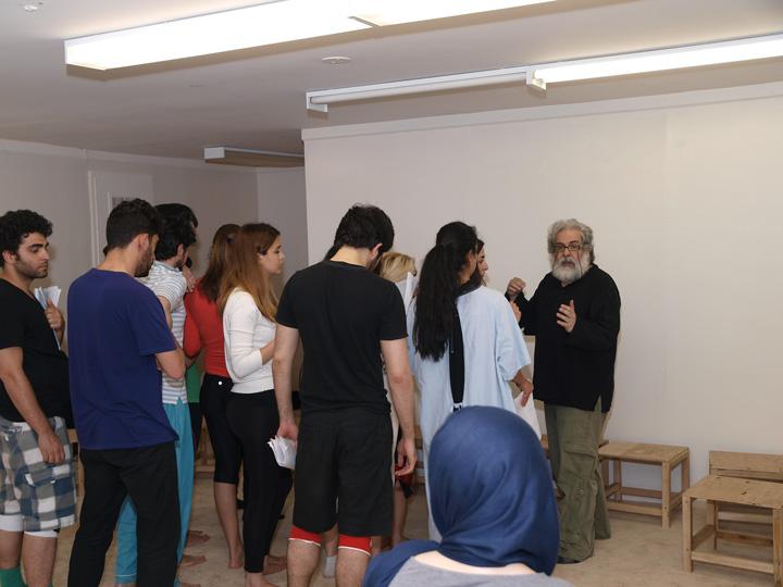 Barkhani-Bizai-92 گزارشی تصویری از تمرینات و آمادهسازی برخوانی نمایش آرش در ونکوور 