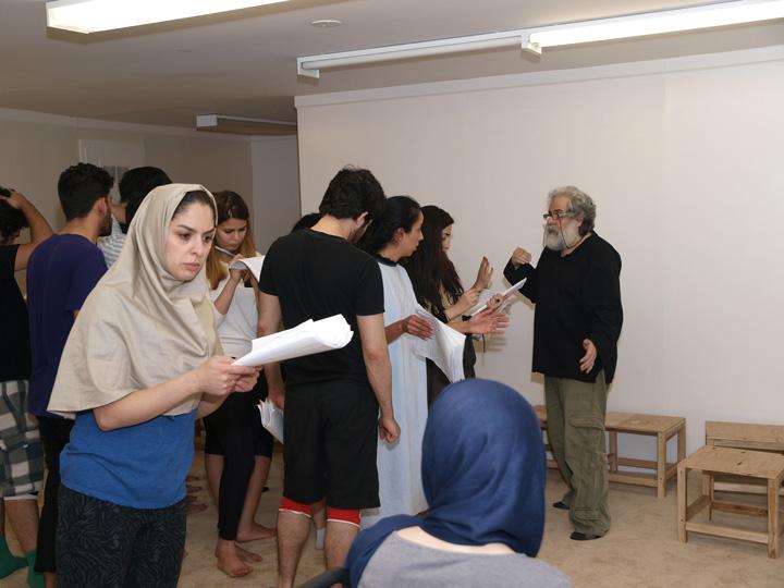 Barkhani-Bizai-93 گزارشی تصویری از تمرینات و آمادهسازی برخوانی نمایش آرش در ونکوور 