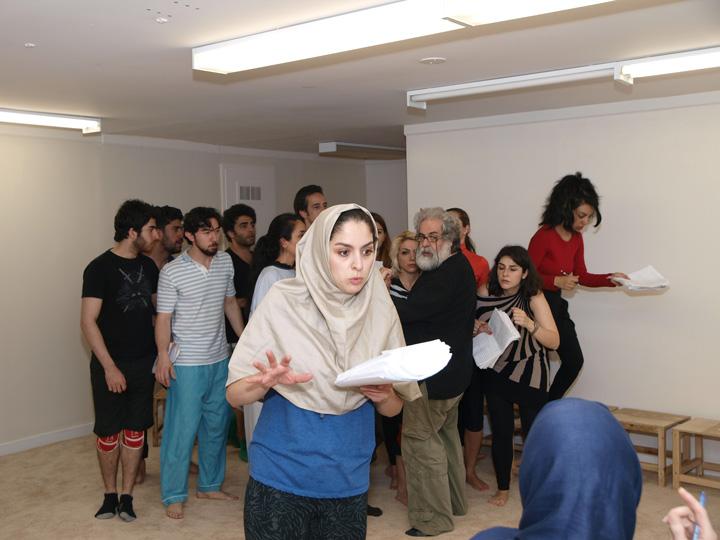 Barkhani-Bizai-95 گزارشی تصویری از تمرینات و آمادهسازی برخوانی نمایش آرش در ونکوور 