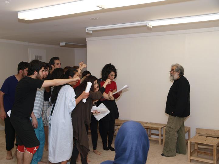 Barkhani-Bizai-97 گزارشی تصویری از تمرینات و آمادهسازی برخوانی نمایش آرش در ونکوور 